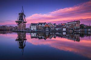 Kleurrijke zonsondergang in Haarlem
