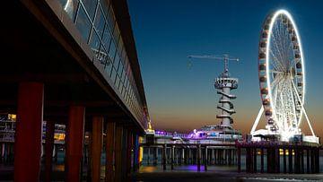 Pier Scheveningen 2 van Barry van Rijswijk