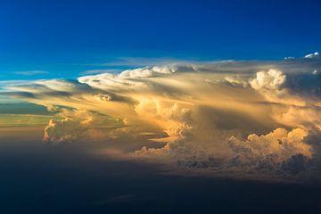 Tropisch regenfront van Peter Leenen