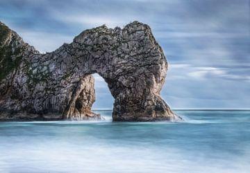 Durdle Door rocher dans la mer sur Marcel van Balken