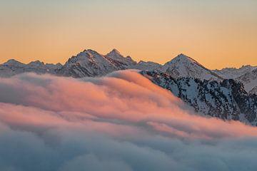Zonsondergang in de Allgäuer Alpen van Leo Schindzielorz