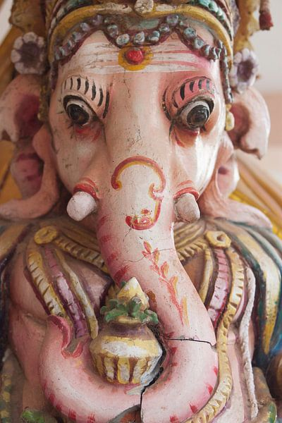 Beeld van de Hindu god Ganesha van Danielle Roeleveld