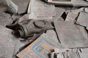 Gasmasker tussen de schoolboeken in Pripyat
