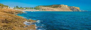 Praia d Luz kustlijn Algarve van Fred Leeflang