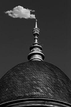 Kuppeldach und Wolke von Norman Krauß