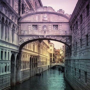 Seufzerbrücke in Venedig von INA FineArt