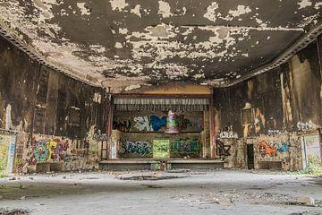 Urbex-Theater auf Armeestützpunkt von Sasja van der Grinten