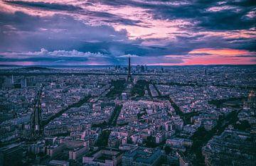 Parijs bij zonsondergang van