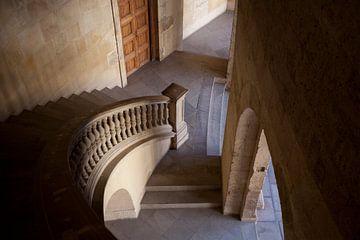 Trap in Alhambra, Spanje van Kees van Dun