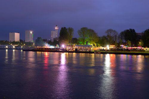 Fluff Disco Vrijheidsfestival op Strand Oog in Al in Utrecht van Donker Utrecht