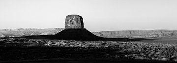 Monument Valley Schwarz-Weiß-Foto (XL) von Rutger van Loo
