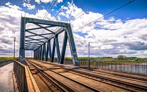 HDR van de Fietsbrug over de IJssel in Deventer Overijssel