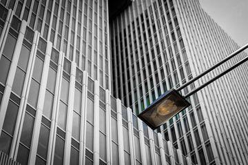 De Rotterdam en lantaarnpaal
