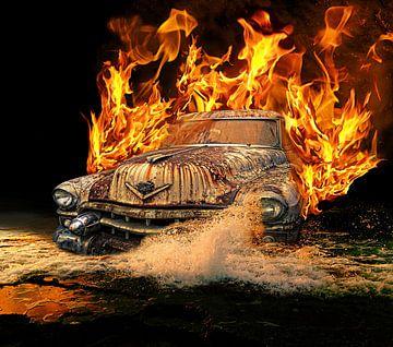 Brandende auto van Michael Eckhoff