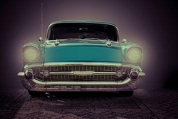 Chevrolet mit leuchtenden Augen von