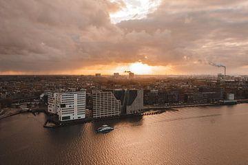 Stormy sunset over Amsterdam van Brian Sweet