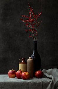Stilleven met appels en possumhaw takjes van Natalia Balanina