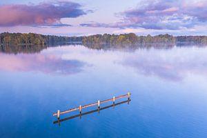 Reflexion im See von Droninger