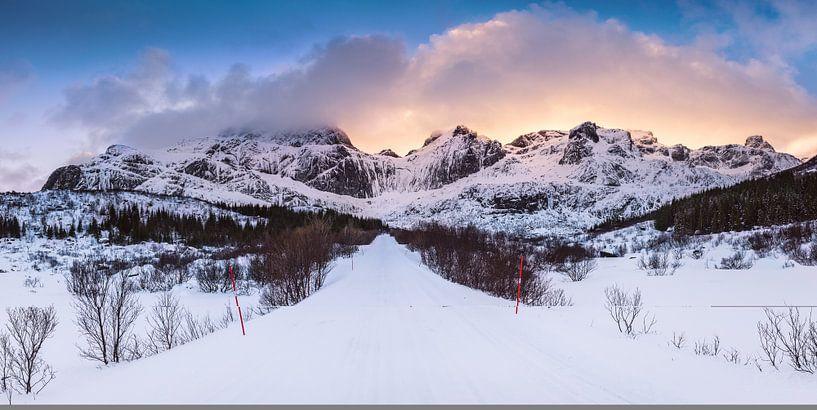 Montagnes sur la route du lac Storvatnet van Arnaud Bertrande