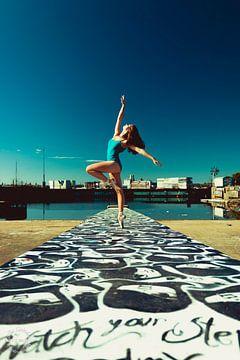 Ballet in de haven van Alex Spinder