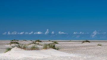 Strand Noordzee op Texel van Laurents ten Voorde