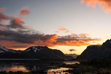 Kleurrijke zonsondergang van Niek Belder