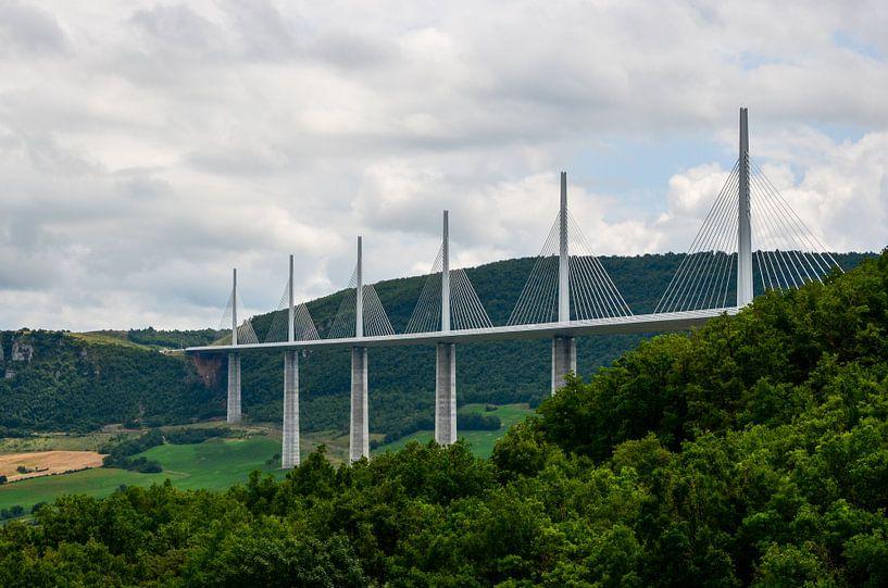 Viaduct de Millau van Jaco Verheul