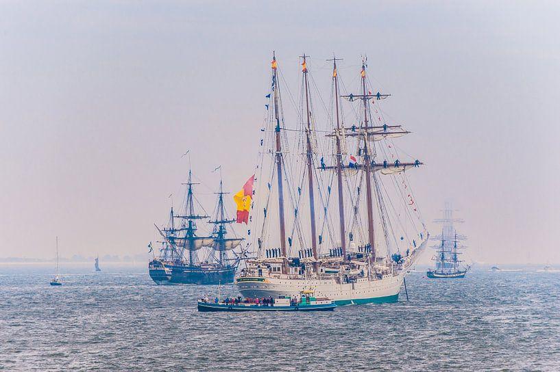 Zeilschepen tijdens stil Den Helder van Brian Morgan