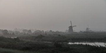 Kinderdijk in de mist  (panorama) van John Ouwens