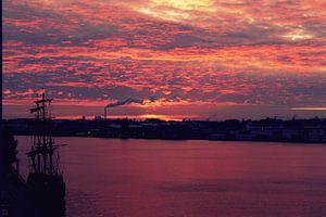 Red sky. van Aaron Goedemans