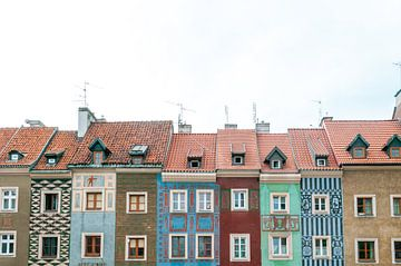 Kleurrijke renaissance huizen in de stad Poznan, Polen van Manon Galama