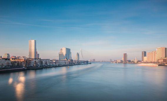 Rotterdam in de ochtend van Ilya Korzelius