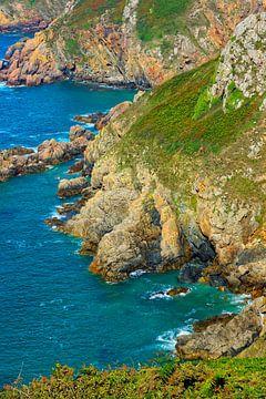 Guernsey Cliffs - Another Version van Gisela Scheffbuch