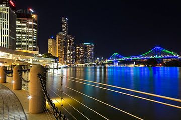 Brisbane skyline met Story bridge van Marcel van den Bos