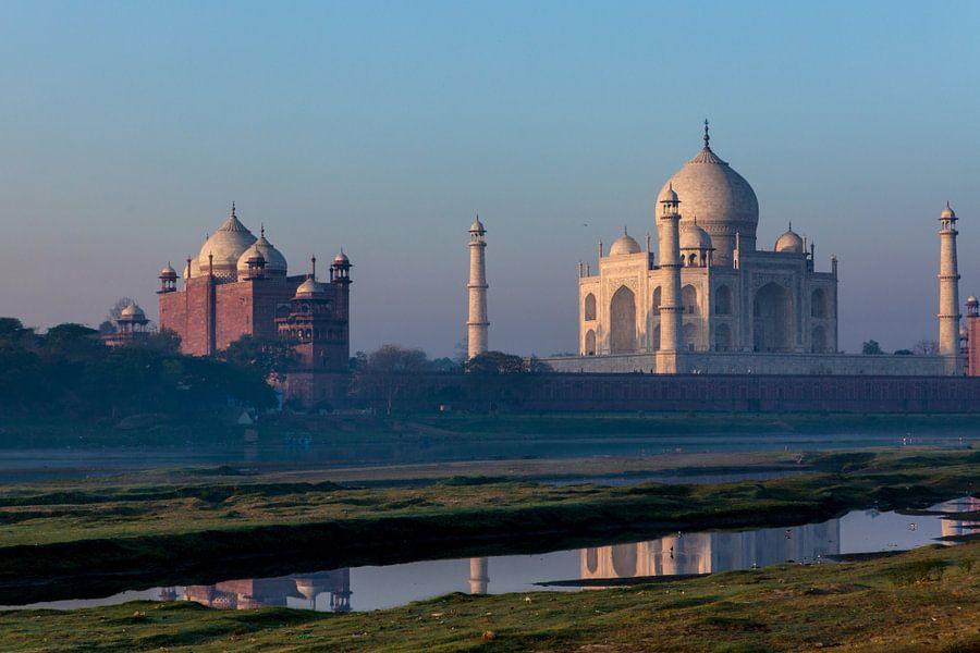 De taj Mahal in Agra India bij zonsopgang. Wout Kok One2expose