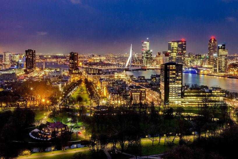 Skyline Rotterdam centrum vanaf de Euromast  van Marco Schep