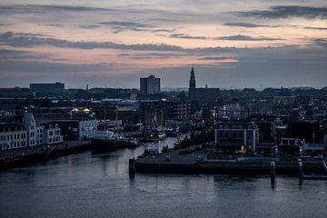 Rotterdam vanaf de Nieuwe Waterweg