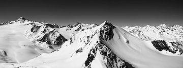 Les Alpes enneigées de Tiroler en Autriche lors d'une belle journée d'hiver sur Sjoerd van der Wal
