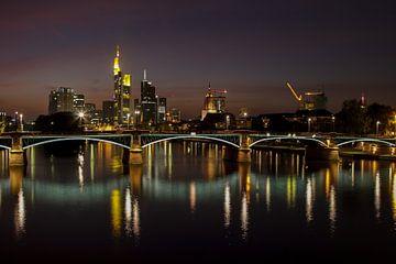Frankfurt bij nacht van Dirk Rüter