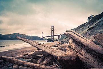 Épave avec le Golden Gate Bridge