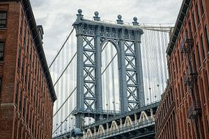 Manhattan Bridge 01 van