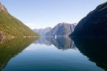 Geirangerfjord, Noorwegen van Marie-Christine Alsemgeest-Zuiderent
