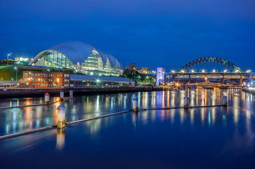 Newcastle by Night van Bert Beckers