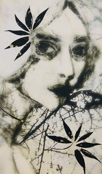 Woman in black and withe van RAR Kramer