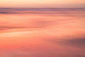 Orangen Sonnenuntergang am Meer von Barbara Brolsma