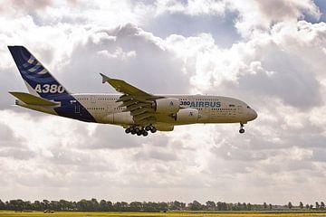 1ste Airbus A380 op Schiphol (2010) van