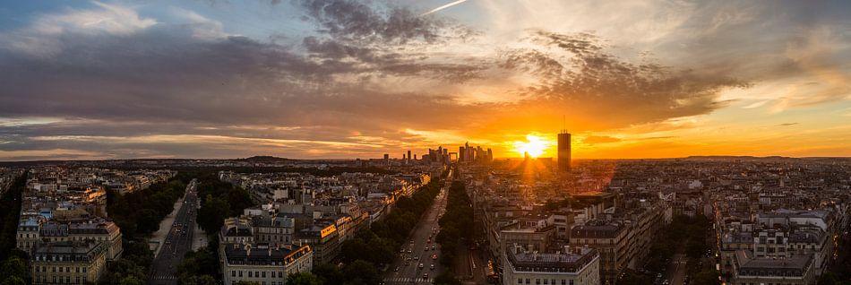 Zonsondergang panorama La Défense van Melvin Erné