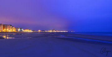 Zeedijk Oostende tijdens Blauwe Uur van Colijn Verkempinck