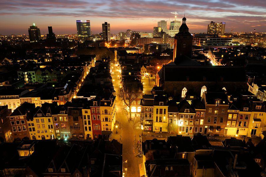 Uitzicht vanaf de Domtoren van Utrecht in de richting van de Zadelstraat van Donker Utrecht