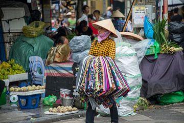 Markt in Vietnam van Bram de Muijnck
